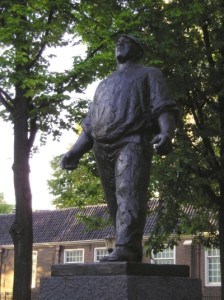 The Dockworker statue commemorating the Strike of 1941